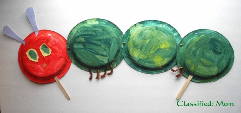 Hungry Caterpillar Paper Plate Puppet Craft