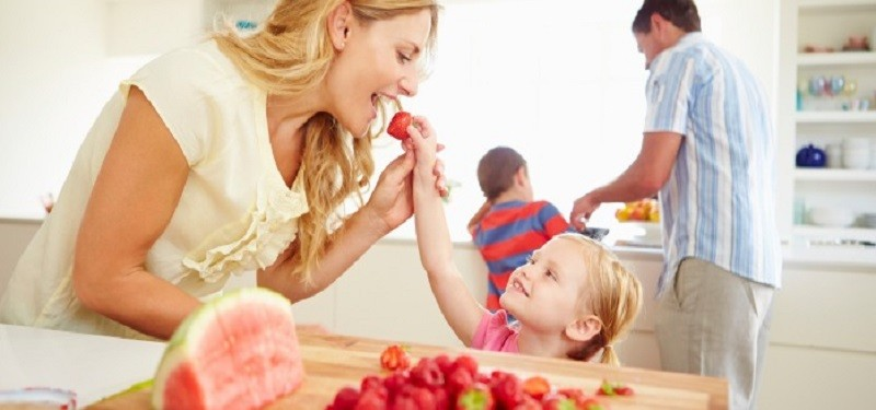 Quick Nutritious Snacks for Busy Moms