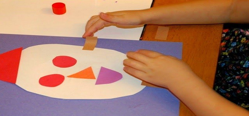kids-craft-teaching-preschooler-shapes